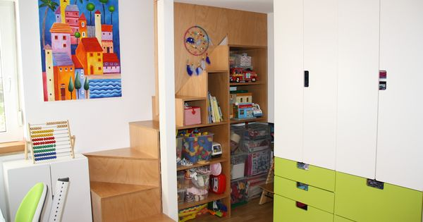 umbau kinderzimmer einbau 2 ebene treppe regal ikea. Black Bedroom Furniture Sets. Home Design Ideas