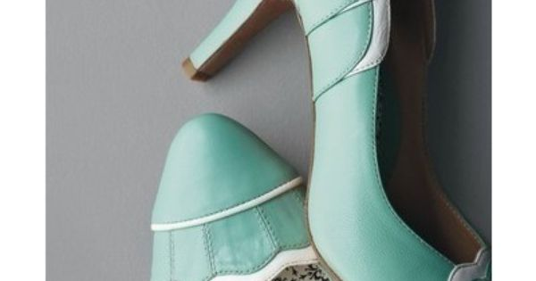 Elopement Pumps, a something blue shoe for sure
