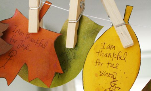 Giving Thanks-Free Thankful Banner Download. Cute idea for kids to participate in