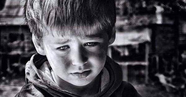 لا تبكي يا صغيري لا انظر نحو السماء من صوتك الحريري لا تقطع الرجاء ان الامل جهد عمل والجهد لا يضيييع The Age Of Innocence Eyes Children