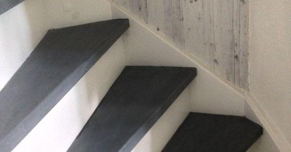 Mijn trap geverfd met leisteeneffect krijtverf wax en was abbondanza hal en trap - Balken grijs geschilderd ...