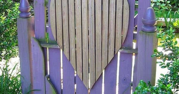 Purple heart gate. Very garden design garden interior design| http://beautiful-garden-decors-ethan.blogspot.com