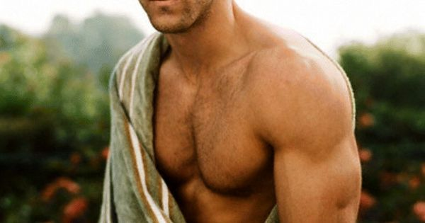 Ryan Reynolds- funny and sexy. Oh boy.