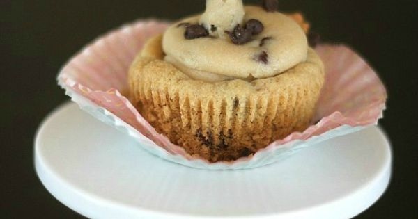 Cookie dough filled cookie cupcakes