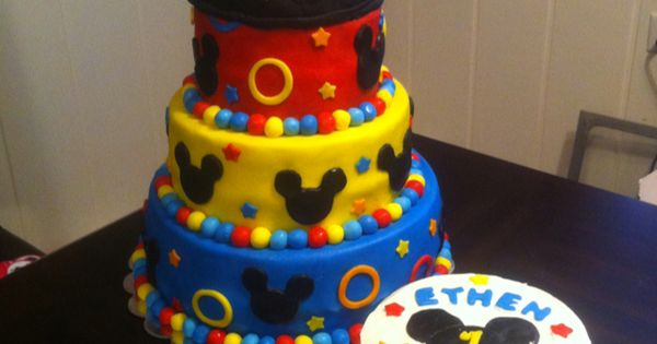 mickey mouse cake personal cake find us on facebook at www on minnie mouse birthday cakes chicago