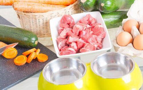Confira Tres Receitas Da Dieta Barf Meus Animais Confira Tres Receitas Da Dieta Barf Meus Animais In 2020 Raw Dog Food Recipes Raw Dog Food Diet Dog Food Recipes