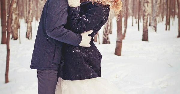 If only we had snow down here! -36 Winter Wedding Photography Ideas