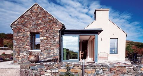 Despite Its Stop Start Beginnings This Cottage In The West Of Ireland Delivers A Traditi House Designs Ireland Cottage Style House Plans Bungalow House Design