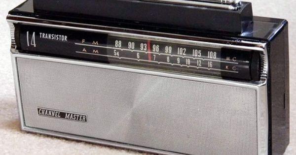 Vintage Channel Master 14-Transistor Two-Band (AM-FM) Radio, Model 6518A,  Made In Japan   Vintage radio, Transistor radio, Old radios