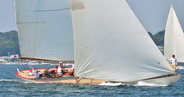 12 Meter Yacht Gleam | America's Cup - Newport RI ...
