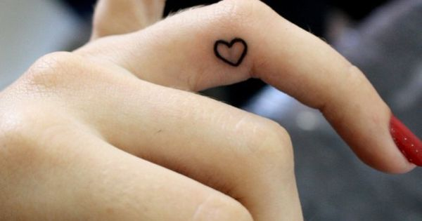 #fingertattoo fingertattoos hearttattoo hearttattoos heart hearts pretty prettytattoo prettytattoos cute cutetattoo cutetattoos