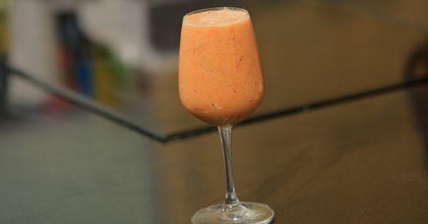 Cbc Sofra طريقة تحضير عصير الكيوي بالفراولة شريف الحطيبي Recipe Alcoholic Drinks Alcohol Rose Wine