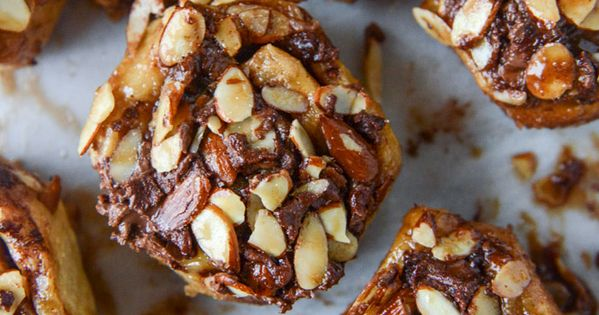Nutella Sticky Buns with Toasted Almonds and Nutella Caramel | Sticky ...