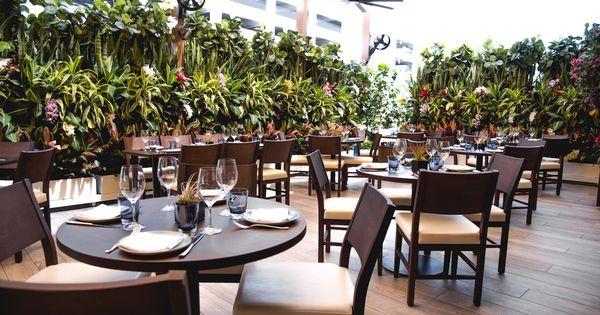 Dining Al Fresco At Aventura Mall High Top Tables Outdoor