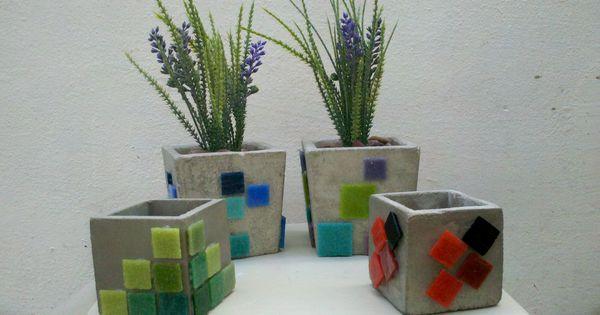 Macetas de cemento decoradas con teselas mis mosaicos y - Macetas de cemento ...
