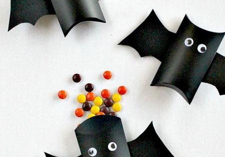 Halloween Bat Treat Boxes from Toilet Paper Rolls