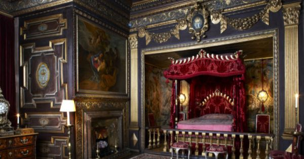 The State Bedroom At Powis Castle Powys Wales Castle Bedroom