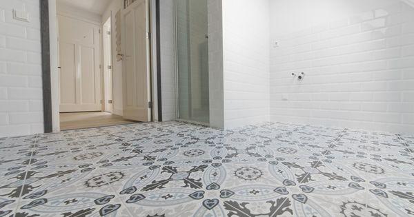 Revoir paris flora met witte metro tegels tegelfloor patroontegels pinterest vloeren - Metro tegels ...