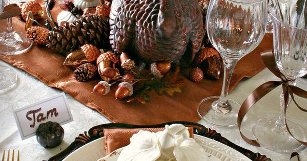 Turkey. Fall decor. Thanksgiving centerpiece.