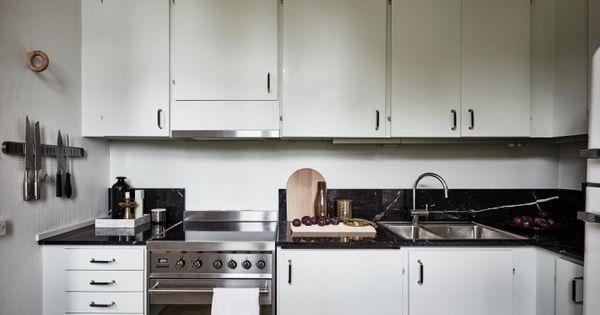 Una cocina de contrastes decoracion cocina peque a for Cocina office pequena