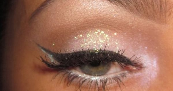 neutral glitter eyeshadow hair makeup pinterest paillettes maquillage yeux de biche et yeux. Black Bedroom Furniture Sets. Home Design Ideas