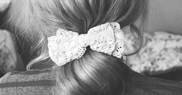 super cute! hair bow ponytail