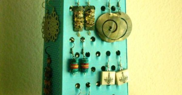 DIY cheese grater earring holder! Very creative diy cuteideas