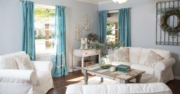 d coration de salon id es avec coussins tableaux et. Black Bedroom Furniture Sets. Home Design Ideas