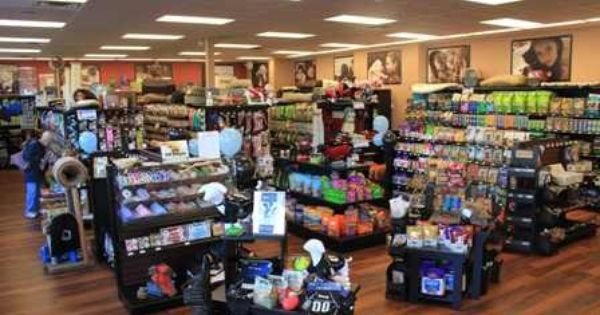 Pet Valu Is One Place You Can Go To Adopt A Pet Find A Store Near You Pet Store Englewood Cover Photos