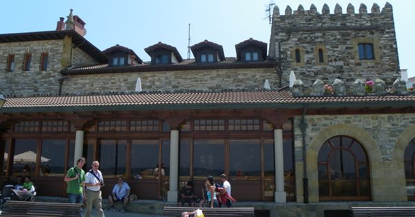 Zarautz restaurante de karlos argui ano pulse la for Puertas zarautz