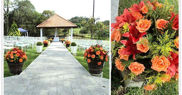 Decora o cerim nia ao ar livre com arranjos de rosas e for Amarilis decoration