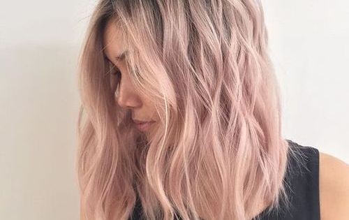 Pinks Hair Style: Light Pink And Wavy Hair