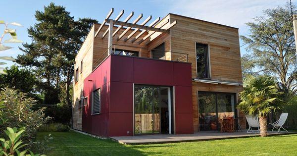 Sur l vation en bois de maison d 39 habitation par h l ne for Plans de maison d habitation