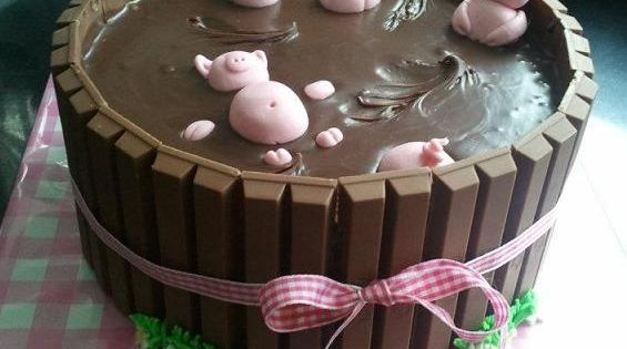 Cute Pigs in Mud Cake cute cake chocolate desert recipe recipes desert