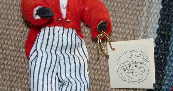vintage golliwog doll by sylvia lyons 1978 4 hand crafted. Black Bedroom Furniture Sets. Home Design Ideas
