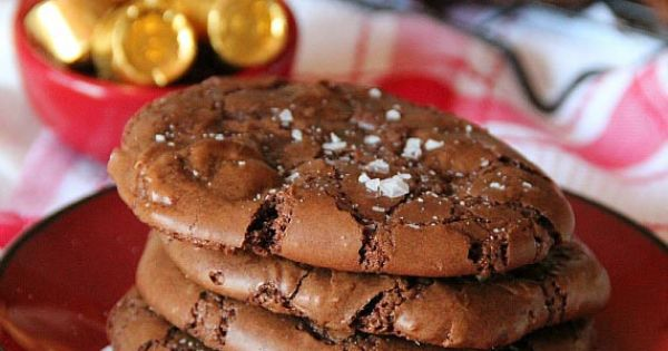 SALTED ROLO BROWNIE COOKIES Ingredients yumm 16 oz semi sweet chocolate, chopped