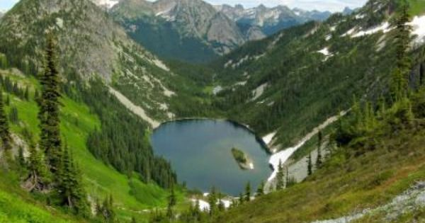 Extending Along Western Virginia In The Rolling Appalachian Mountains The George W Wenatchee National Forest Okanogan Wenatchee National Forest National Parks