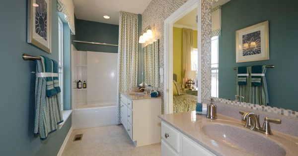 Jack Jill Bathroom With A Tile And Teal Walls New Homes In Carmel Monterey Ii M I Homes