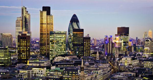 London Flug Lastminute Hin Und Ruckfluge Ab 45 Pro Person City Of London Skyline Von London Skyline