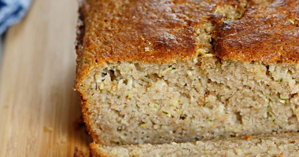 Lighter Zucchini Bread | Fabtastic Eats: SG -- swapped ground oats for