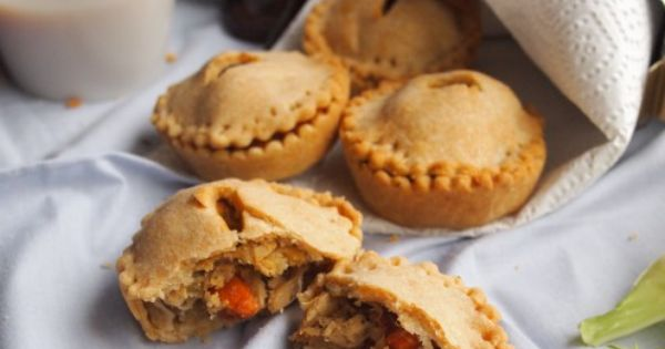 Hand pies, Roasts and Pies on Pinterest