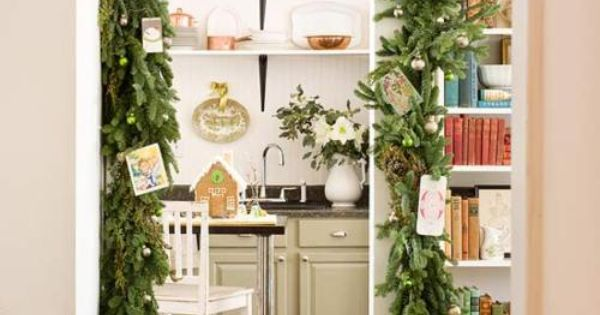 Make decorating easy with an Evergreen Doorway Garland garland christmasdecorations!!! Bebe'!!! Festive