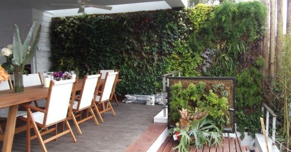 Jardines verticales decoracion patios balcones y - Jardines verticales interiores ...