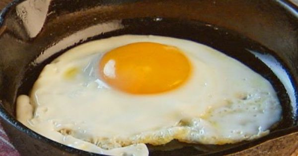 How to make a perfect fried egg every time. Nothing worse than