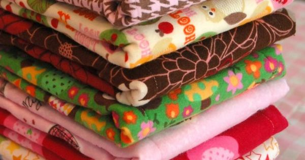 Burp cloth tutorial. An easy baby gift. If you use cloth diapers