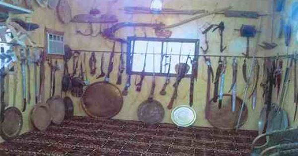 دليل لايفوتك متحف احمد بن عمر الزهرانى يقع المتحف بمحافظة الدار البيضاء يمتكله احمد بن عمر الحسنى الزهران عبارة عن مبنى حديث يتكون Box Fan Home Appliances