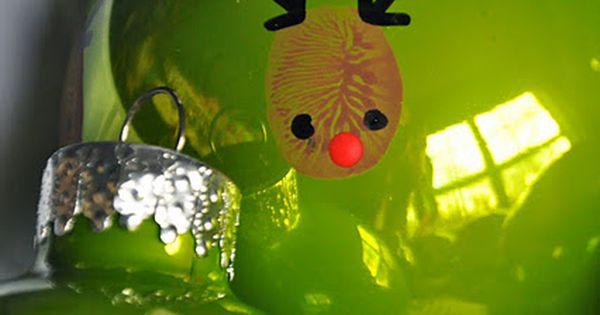 Cute holiday craft idea - Reindeer thumbprint ornament