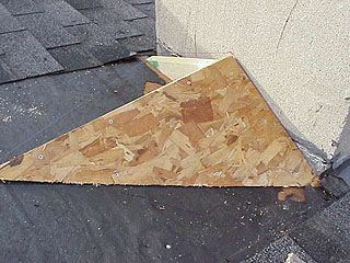 Article About Framing A Roof Saddle To Prevent Water Leakage Where The Roof Meets A Chimney Building Roof Roof Roofing Diy