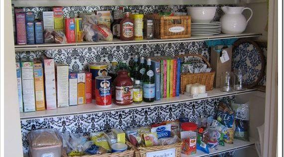 Astuces pour bien organiser son garde manger astuces - Comment organiser son placard ...