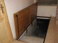 Idee Pour La Trappe De La Cave Dans Le Garage Trappe Pieces Cachees Plafonds De Sous Sol